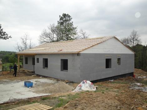 Construire une maison tr s basse consommation mbc ouest for Maison en siporex
